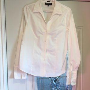 White Jones of New York long sleeve blouse